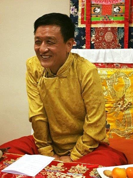 Rinpoche teaching in France