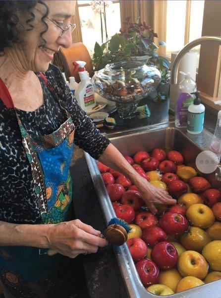 pat leavitt apples